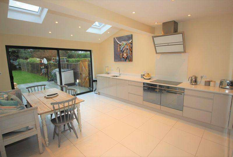 3 Bedrooms Terraced House for sale in Walton on the Hill