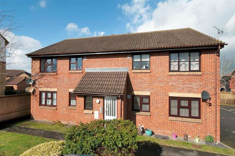 2 Bedrooms Apartment Flat for sale in The Ridings, Paddock Wood