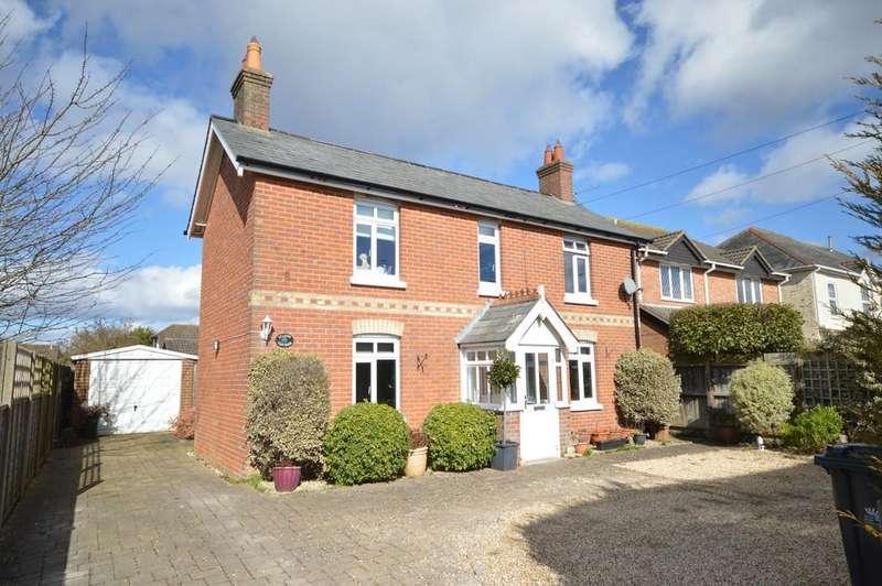 4 Bedrooms Cottage House for sale in Ashley Lane, Hordle, Lymington