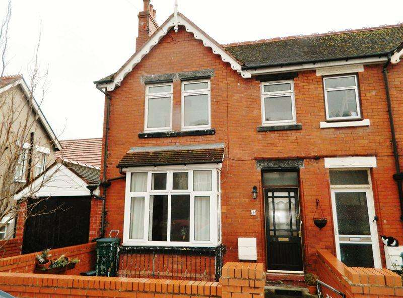 4 Bedrooms Terraced House for sale in Dundonald Road, COLWYN BAY