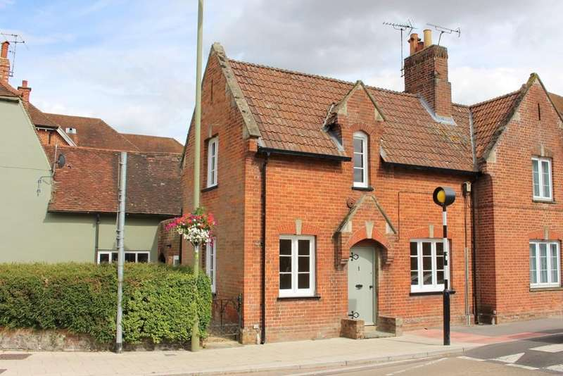 2 Bedrooms Semi Detached House for sale in Jacklyns Lane, Alresford