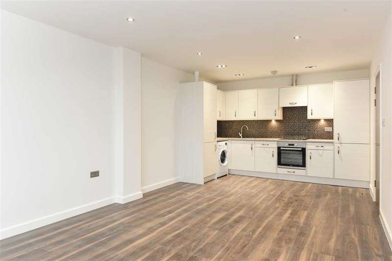2 Bedrooms Apartment Flat for rent in Kotecha Heights, Progress Road, High Wycombe