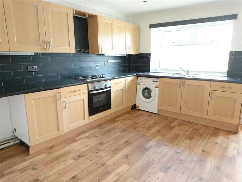 4 Bedrooms House for rent in Clyndu Street, Morriston, SWANSEA