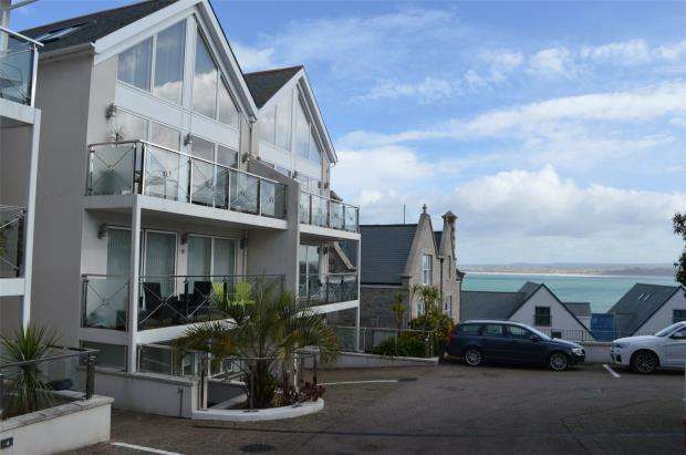 2 Bedrooms Flat for sale in Gallinas Point, Talland Road, St. Ives, Cornwall
