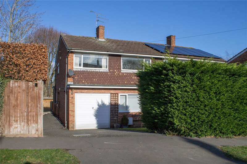 3 Bedrooms Semi Detached House for sale in Newick Drive, Newick