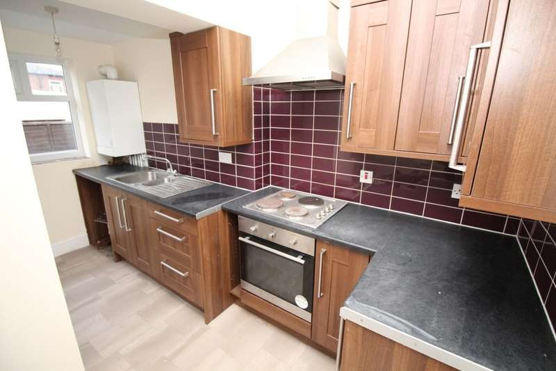 3 Bedrooms Semi Detached House for rent in Broderick Avenue, Blackpool, FY2
