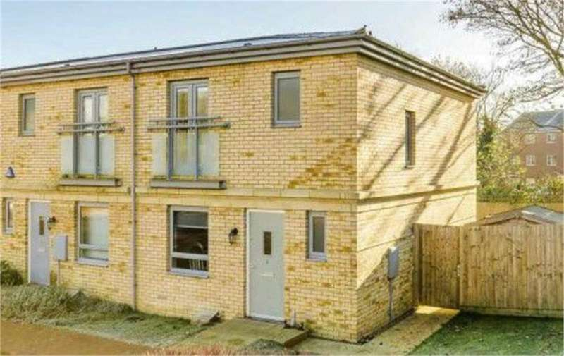 3 Bedrooms Terraced House for rent in Homerton Street, Bletchley Park