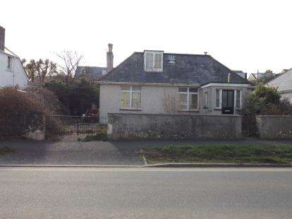 4 Bedrooms Bungalow for sale in Newquay, Cornwall, .