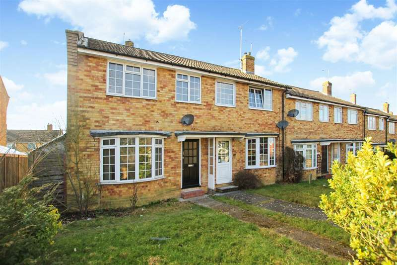 3 Bedrooms End Of Terrace House for rent in London Road, Burgess Hill