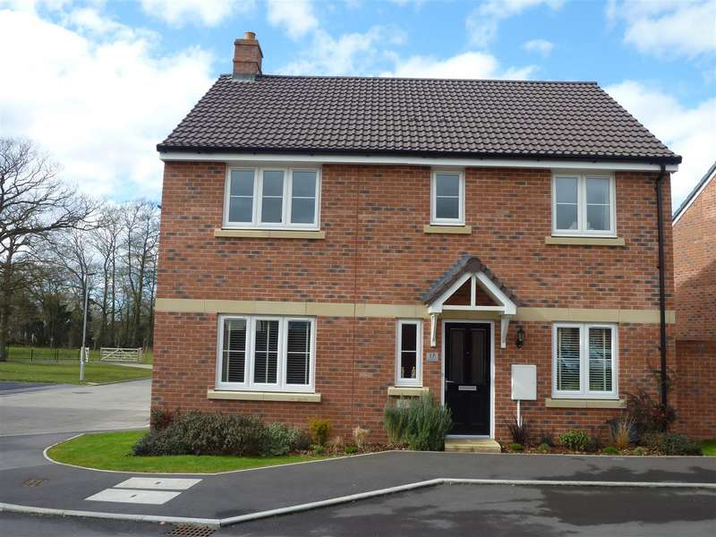 4 Bedrooms Detached House for sale in Castle Mead, Hilperton - No chain!