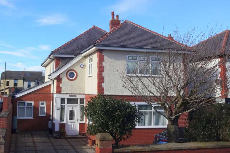 4 Bedrooms Detached House for sale in St Albans Road, Lytham St Annes, FY8