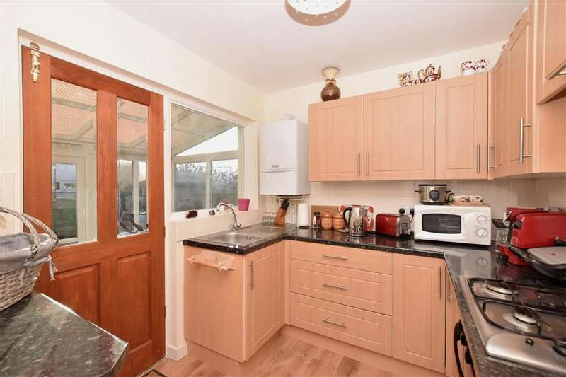 2 Bedrooms Bungalow for sale in Windmill Grove, Fareham, Hampshire