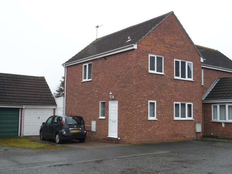 3 Bedrooms Semi Detached House for sale in Westridge Way, Clacton on Sea