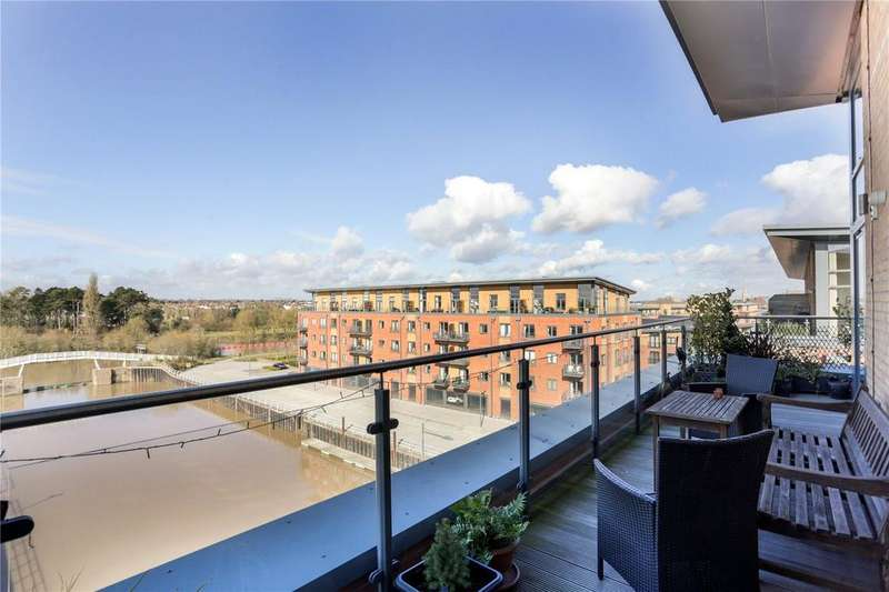 3 Bedrooms Flat for sale in Worcester, Worcestershire
