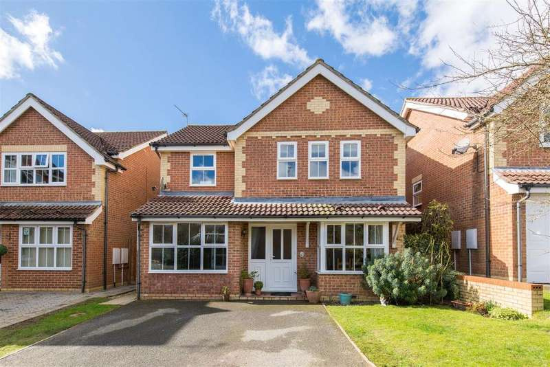 4 Bedrooms Detached House for sale in Osprey Drive, Uckfield
