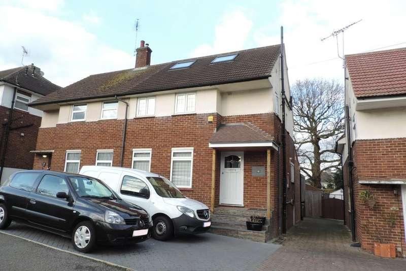 3 Bedrooms Semi Detached House for sale in Shillitoe Avenue, Potters Bar EN6