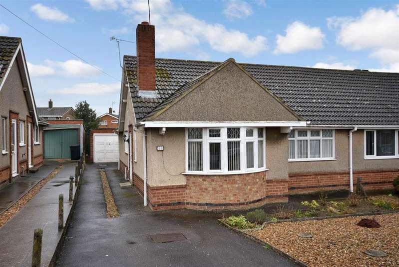 2 Bedrooms Bungalow for sale in Pennine Way, Kettering