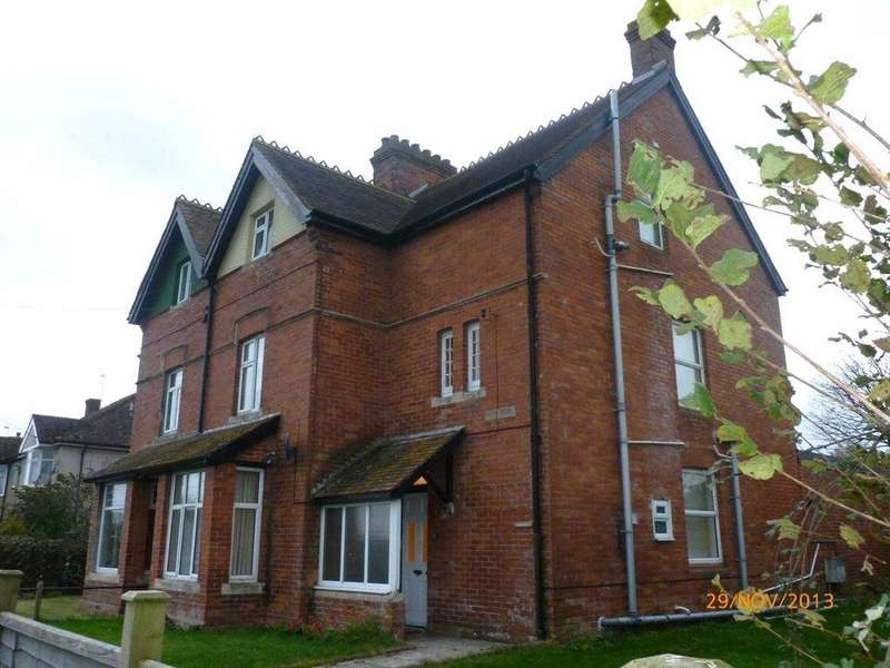 6 Bedrooms End Of Terrace House for rent in Crimchard, Chard, Somerset, TA20