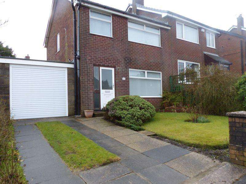 3 Bedrooms Semi Detached House for sale in Helmshore Avenue, Oldham