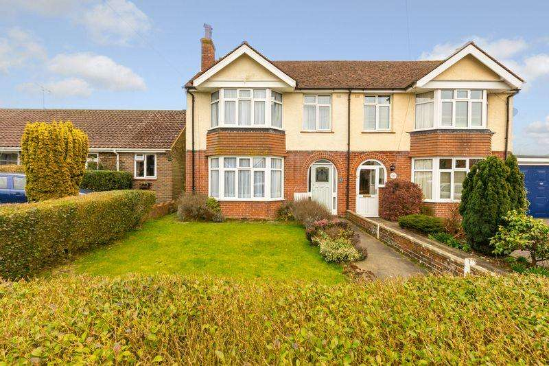 4 Bedrooms Semi Detached House for sale in Stirling Road, Chichester