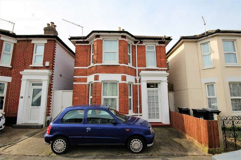 3 Bedrooms Detached House for sale in Wolverton Road, BOURNEMOUTH, Dorset
