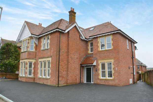 2 Bedrooms Flat for sale in Bryanstone Road, Bournemouth, Dorset