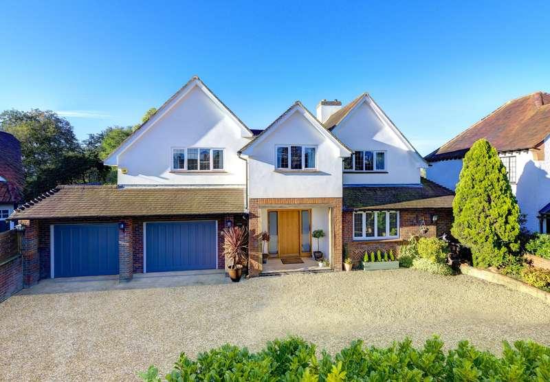 5 Bedrooms Detached House for sale in Gaviots Way, Gerrards Cross, SL9