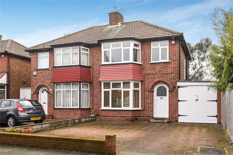 3 Bedrooms Semi Detached House for sale in Ladycroft Walk, Stanmore, Middlesex, HA7