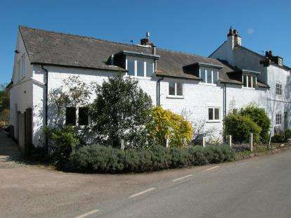 4 Bedrooms Barn Conversion Character Property for sale in Puddington Village, Puddington, Cheshire, CH64