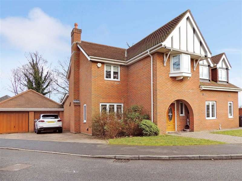 5 Bedrooms Detached House for rent in Willow Mead, ROMILEY, Stockport