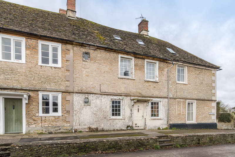 3 Bedrooms Terraced House for sale in Cliff Road, Sherston