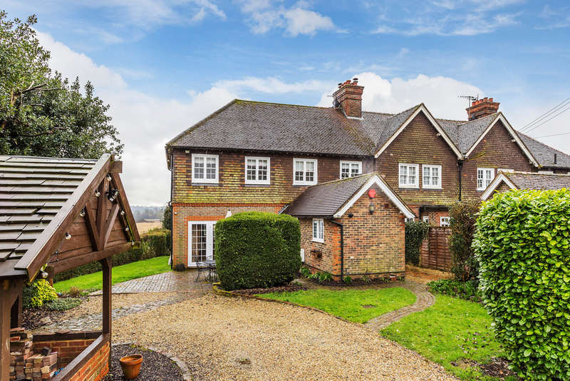 5 Bedrooms End Of Terrace House for sale in Lingfield Road, Edenbridge, TN8