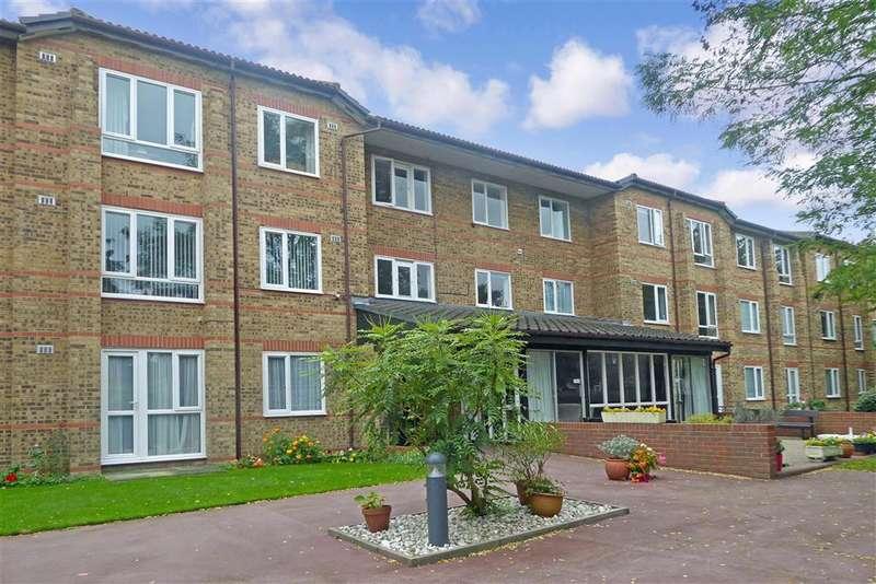 1 Bedroom Flat for sale in Cambridge Road, , Wanstead