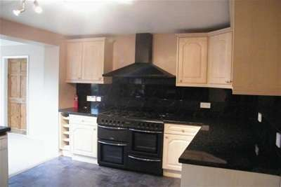 4 Bedrooms Semi Detached House for rent in Hailstone Drive, Northallerton