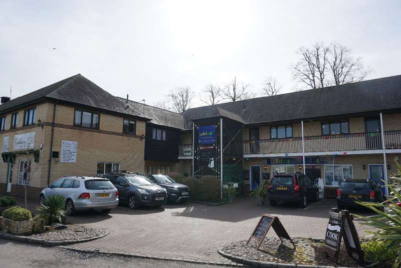 3 Bedrooms Flat for sale in STANLEY COURT, OLNEY