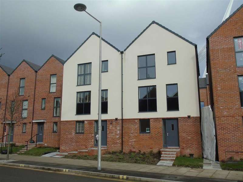 3 Bedrooms Town House for sale in Langdon Road, Marina, Swansea