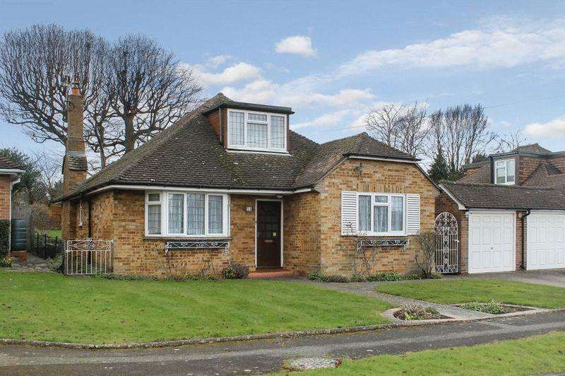 4 Bedrooms Detached House for sale in Allen Road, Bookham