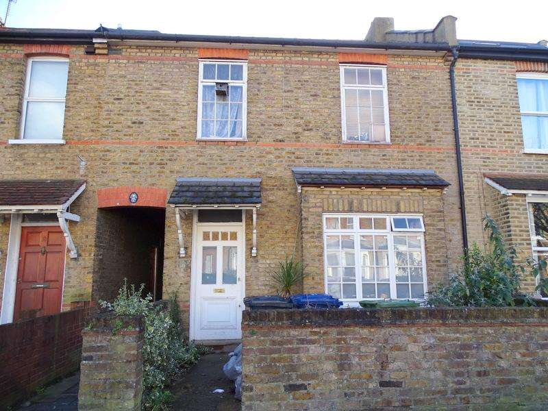 3 Bedrooms House for sale in Hessel Road, Ealing