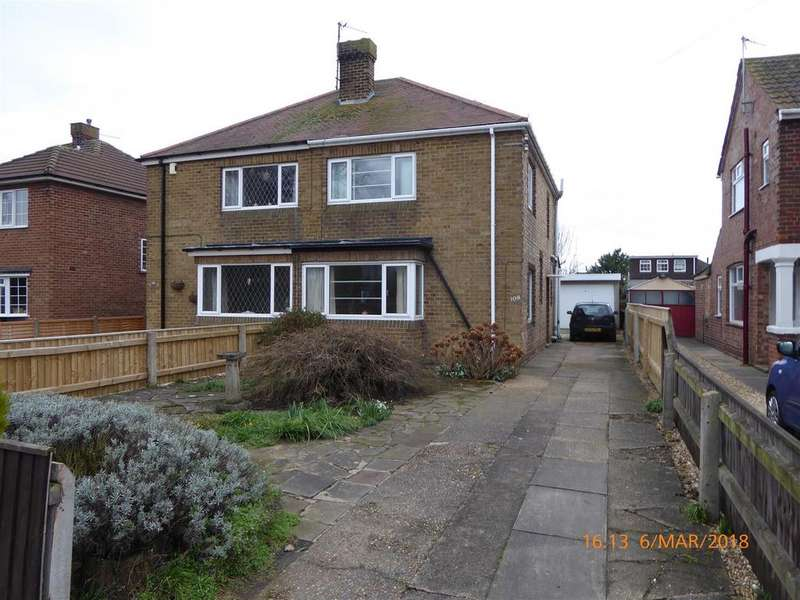 3 Bedrooms Semi Detached House for sale in Grimsby Road, Humberston