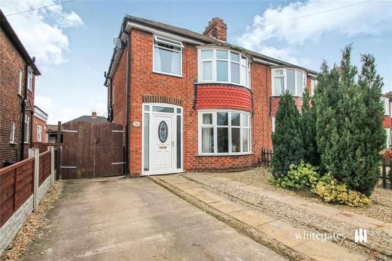 3 Bedrooms Semi Detached House for sale in Newland Drive, Scunthorpe, Lincolnshire, DN15