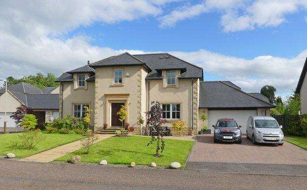 5 Bedrooms Detached House for sale in Wylie Court, Druids Park, Murthly, Perth PH1