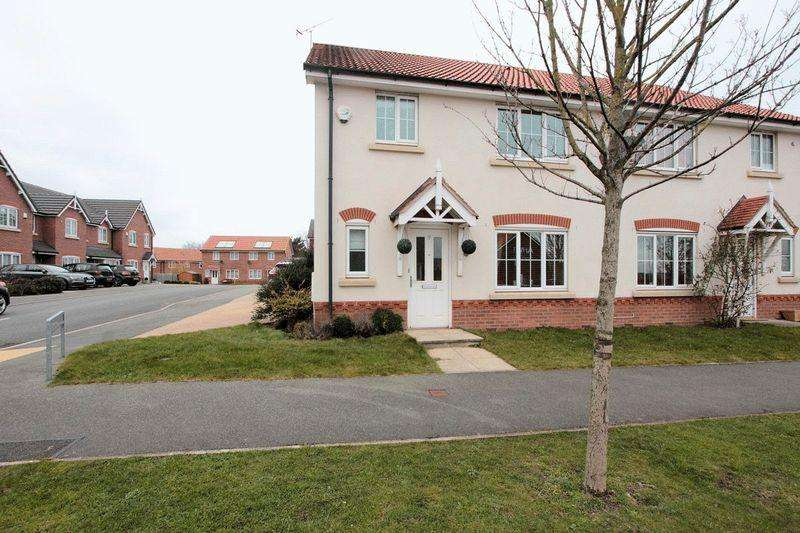 3 Bedrooms Semi Detached House for sale in Ffordd Aberkinsey, Rhyl