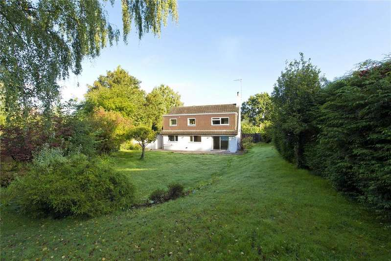 4 Bedrooms Detached House for rent in Pine View Close, Chilworth, Guildford, Surrey, GU4