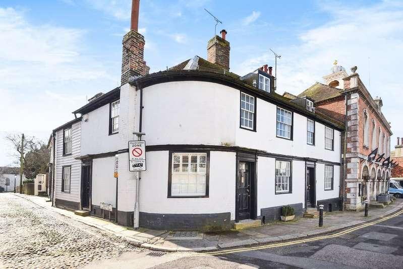3 Bedrooms House for rent in Market Street, Rye, East Sussex TN31 7LA
