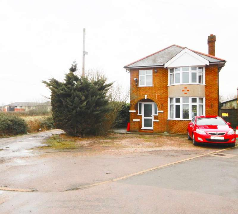 3 Bedrooms Detached House for rent in Hitchin Road, Shefford, SG17
