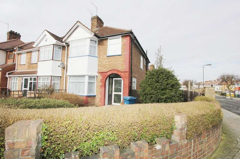 3 Bedrooms Semi Detached House for sale in Greencourt Avenue, Edgware, Greater London. HA8 5SW