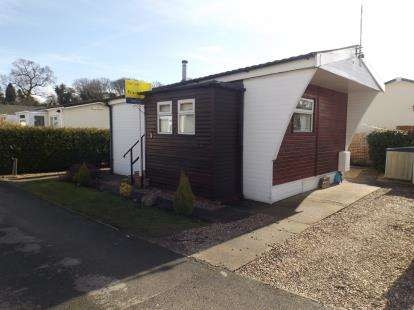1 Bedroom Mobile Home for sale in Centre Way, Radcliffe-on-Trent, Nottingham
