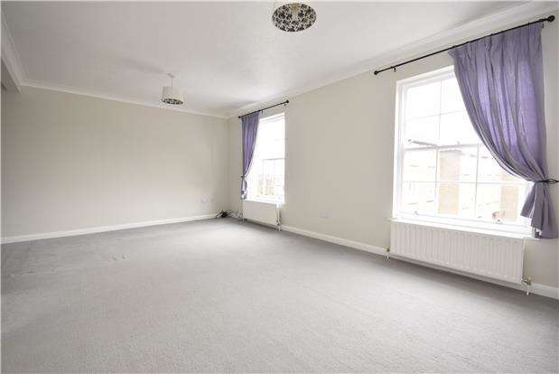 4 Bedrooms Terraced House for rent in Ardshiel Drive, Redhill, Surrey, RH1
