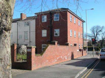 3 Bedrooms Flat for sale in 56 Balls Road, Oxton, Wirral, CH43