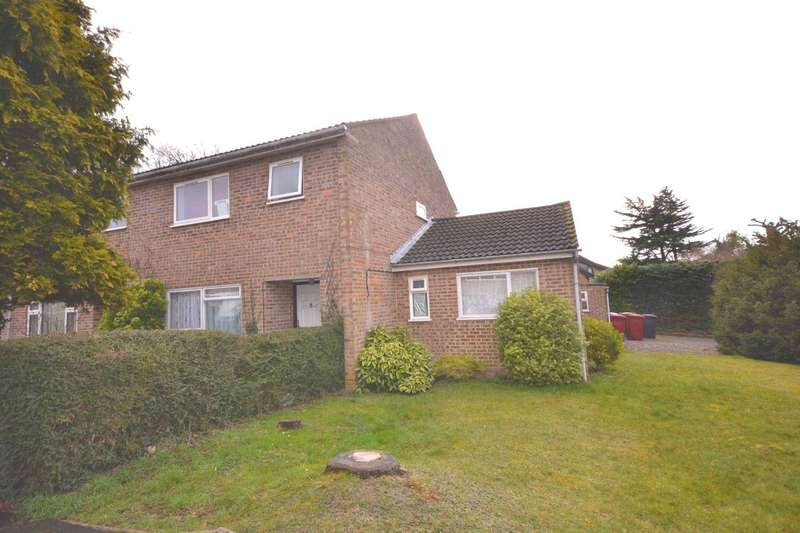 4 Bedrooms End Of Terrace House for sale in Portway Close, Reading